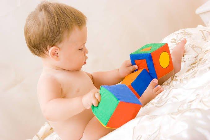 Melhores brinquedos para bebês de 0 a 3 meses