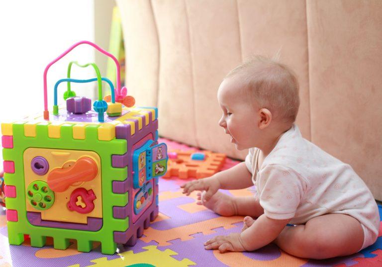 Melhores brinquedos para bebês de 3 a 6 meses